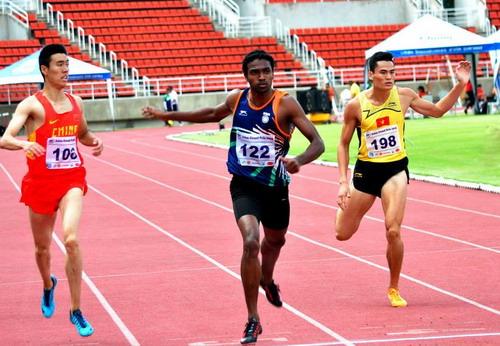 Quách Công Lịch giành HCB 400 m nam