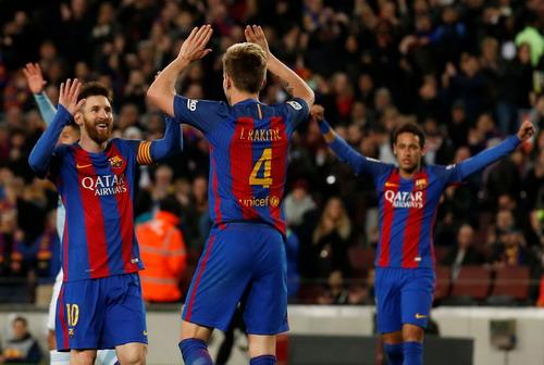 ... Rakitic cũng lập công với sự giúp sức của Messi