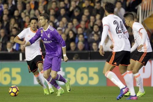 Ronaldo và đồng đội hoang mang trước tương lai bất định