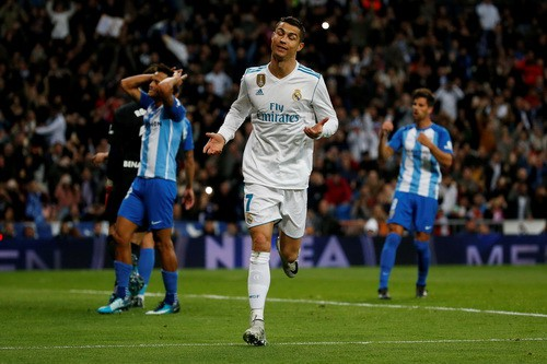 Ronaldo giải cứu, Real Madrid thoát hiểm ở Bernabeu - Ảnh 4.