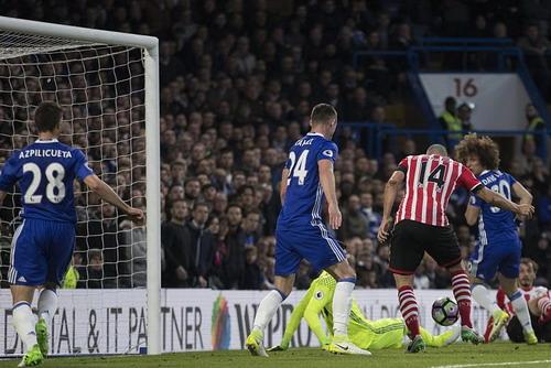 Romeu gỡ hòa cho Southampton