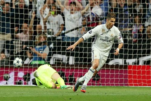 Ronaldo nhân đôi cách biệt phút 73