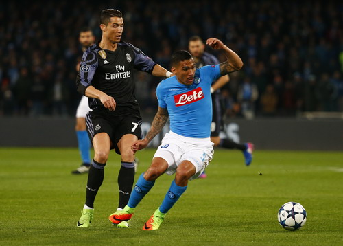 Ronaldo không có cơ hội lập công trước Napoli