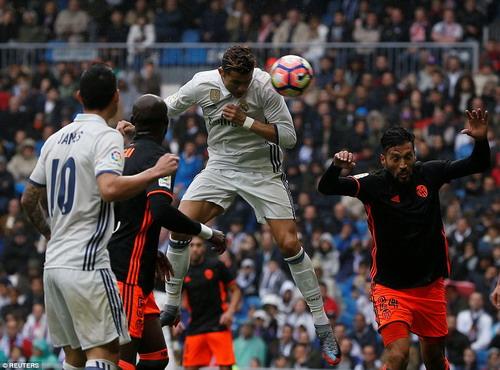 Ronaldo mở tỉ số..