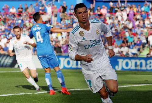 Ronaldo vung tiền nộp phạt, chạy án tù cáo buộc trốn thuế - Ảnh 1.