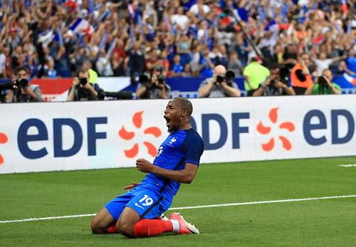 Hậu vệ ghi bàn, Pháp hạ nhục tuyển Anh ở Stade de France - Ảnh 6.