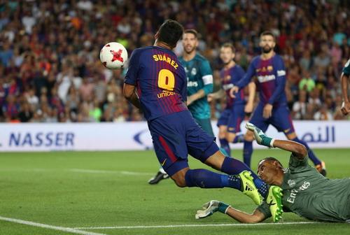 Ronaldo tỏa sáng, Barcelona thua tan tác siêu kinh điển - Ảnh 3.