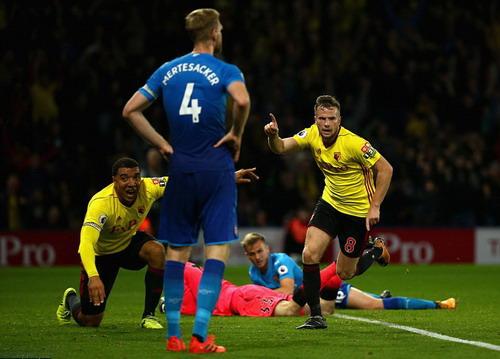 Ác mộng phút bù giờ, Arsenal ôm hận trận derby - Ảnh 6.