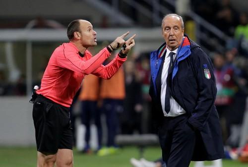 Dứt điểm kém, Ý mất vé World Cup vào tay Thụy Điển - Ảnh 2.