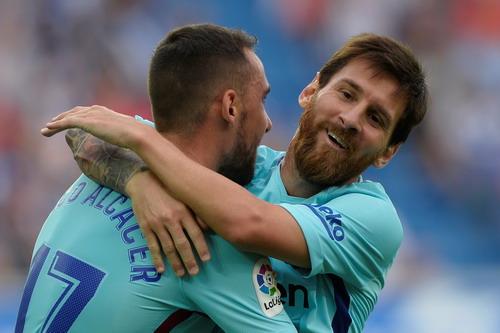 Hỏng phạt đền, lập cú đúp, Messi tỏa sáng với Barcelona - Ảnh 5.
