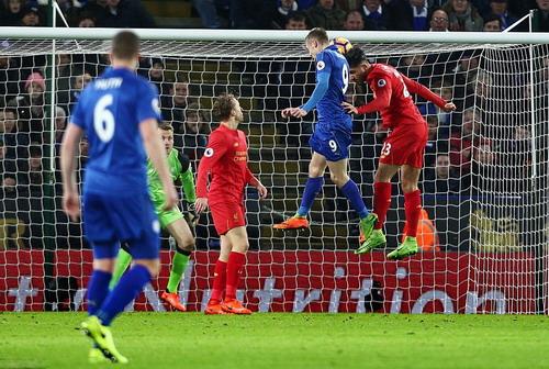 Vardy với pha lập công thứ 3 trong vòng 60 phút cho Leicester