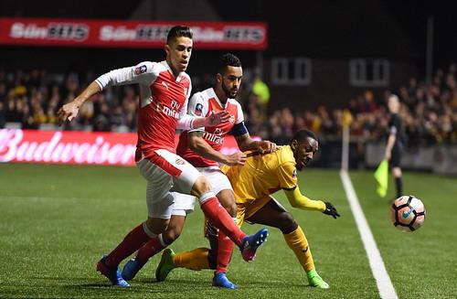 Sutton United nhập cuộc mạnh mẽ, gây khó cho Arsenal