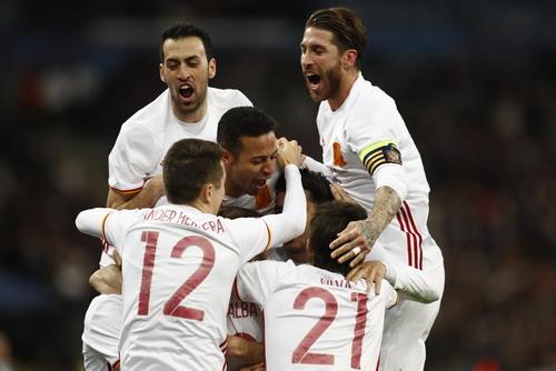 Niềm vui của các cầu thủ Tây Ban Nha