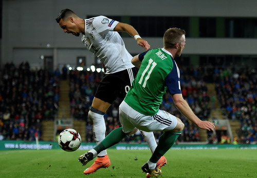 Hậu vệ tỏa sáng phút 90+4, tuyển Anh có vé dự World Cup - Ảnh 5.