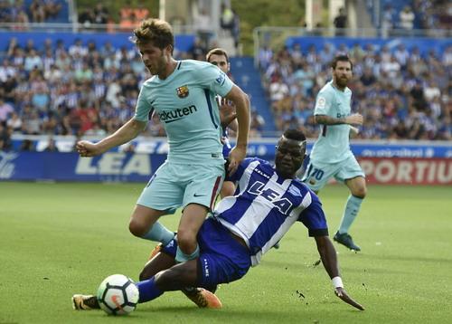 Hỏng phạt đền, lập cú đúp, Messi tỏa sáng với Barcelona - Ảnh 2.