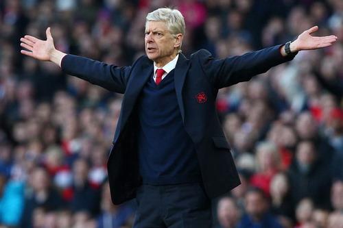 Arsene Wenger đau đầu với tình cảnh hiện tại của Arsenal