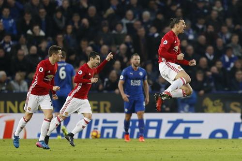 Ibrahimovic phấn khích sau bàn nhân đôi cách biệt