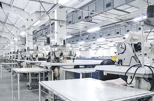 Các dây chuyền sản xuất tự động sẽ là tương lai của ngành may mặc thế giới? Ảnh: BOSS MAGAZINE