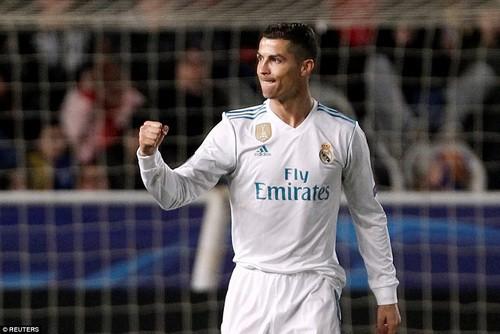 Cán mốc 100 bàn thắng, Ronaldo thành kỷ lục gia Champions League - Ảnh 2.