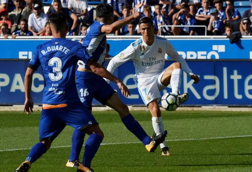 Hai pha đá phản, tân binh Girona thua sốc Barcelona - Ảnh 8.