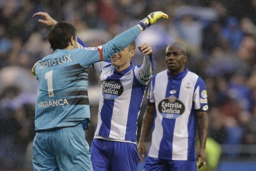 Niềm vui chiến thắng của các cầu thủ Deportivo