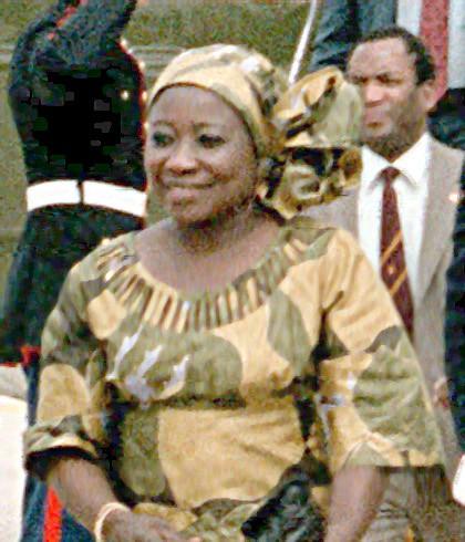 Hai người vợ tạo nên cuộc đời tổng thống Zimbabwe - Ảnh 2.