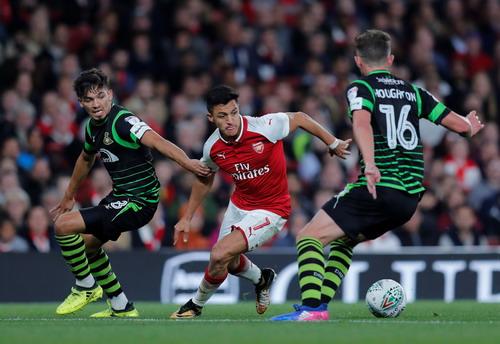 Cúp Liên đoàn Anh: Đại gia thắng to, Arsenal chật vật đi tiếp - Ảnh 2.