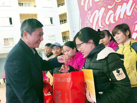 Tổng LĐLĐ Việt Nam đề xuất nghỉ Tết Nguyên đán 2018 trước 2 ngày - Ảnh 1.