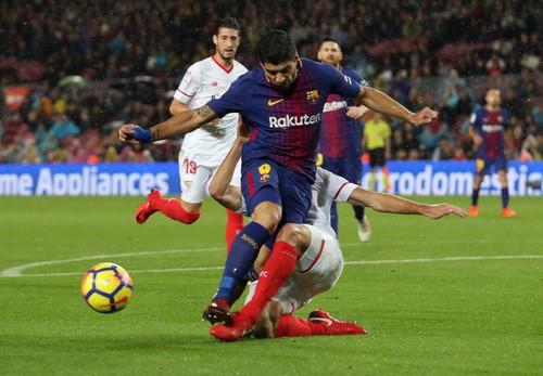 Người hùng Paco Alcacer giúp Barcelona nhấn chìm Sevilla - Ảnh 2.