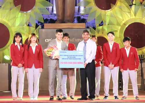 TP HCM khen thưởng hơn 2,2 tỉ cho HLV-VĐV SEA Games 2017 - Ảnh 13.