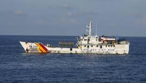 Sức khỏe 4 thuyền viên bị tàu nước ngoài bắn đang tiến triển tốt - Ảnh 1.