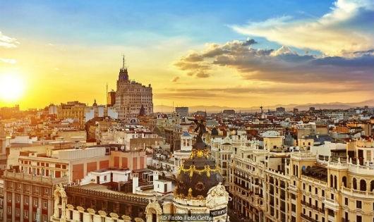Chuyện ngủ trưa nhiều và ăn tối muộn ở Tây Ban Nha - Ảnh 1.