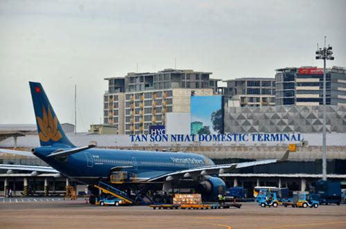Ngoài việc mở nhiều đường bay mới, gần đây một số hãng hàng không đã đề xuất áp giá sàn vé máy bayẢnh: Tấn Thạnh