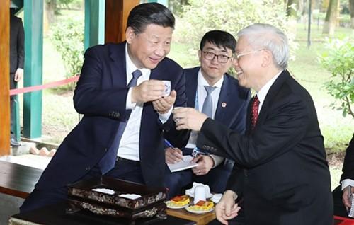 Tổng Bí thư Nguyễn Phú Trọng và Tổng Bí thư, Chủ tịch Tập Cận Bình dự tiệc trà - Ảnh 1.