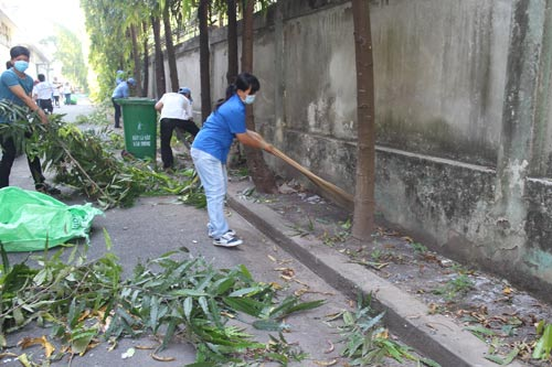 Công nhân tham gia Ngày chủ nhật xanh của Công ty CP Dệt may Gia Định