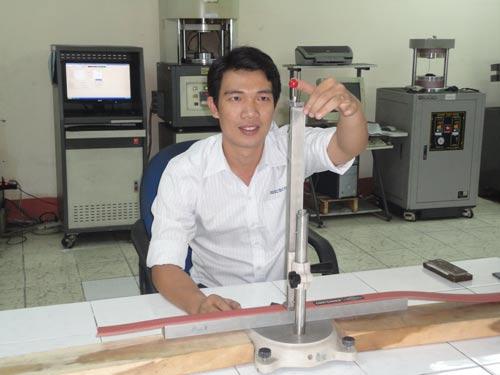 Anh Nguyễn Vũ Nhân, Nhà máy Cao su Bến Thành (thuộc Tổng Công ty Công nghiệp Sài Gòn), một đảng viên trẻ tiêu biểu