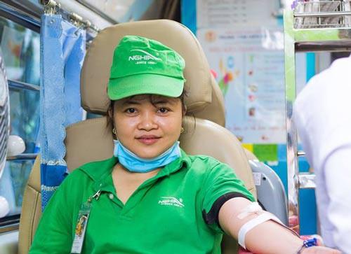 150 công nhân hiến máu cứu người - Ảnh 1.