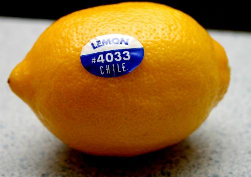 Cẩn trọng khi mua hoa quả có nhãn số 3, 4 hoặc 9 - Ảnh 1.