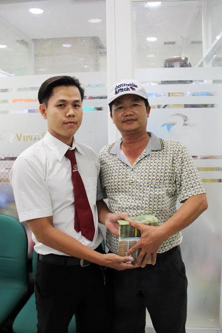 Khách hàng Hoàng Văn Sơn đã nhận lại đầy đủ tài sản từ tài xế Hiếu