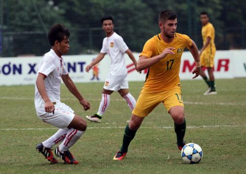 Trận U19 Lào (trắng) thua ngược U19 Úc 1-2 ở Giải U19 Đông Nam Á 2016 Ảnh: Mộc Nghênh