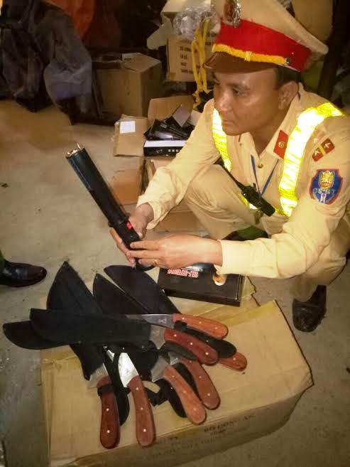 Số hàng nóng được lực lượng CSGT Thanh Hóa bắt giữ trên xe khách