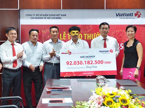 Với giải thưởng cộng dồn rất cao, Vietlott ngày càng thu hút người chơiẢnh: VIETLOTT