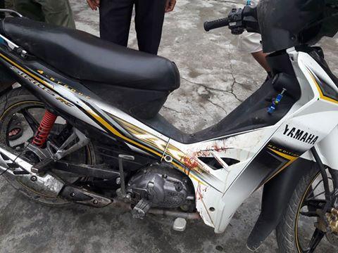 Xe máy tang vật của hai thanh niên nghi bắt trộm chó bị người dân đánh hội đồng - Ảnh: Yên Thành