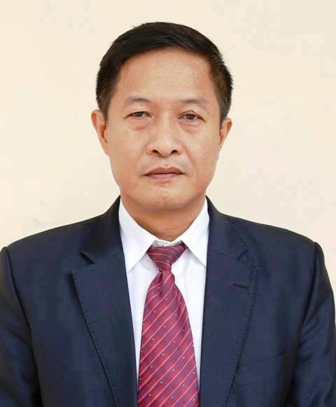 """""""Giáng chức"""" Giám đốc Sở KH-CN Ninh Bình tát lái xe - Ảnh 1."""