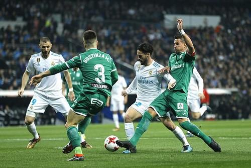 Thất bại tức tưởi sân nhà, Real Madrid bị loại khỏi Cúp Nhà vua - Ảnh 2.