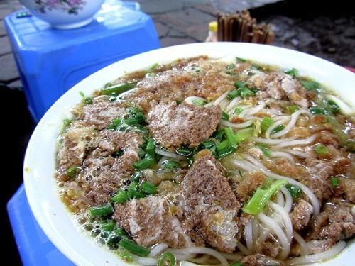 5 món ăn đường phố được khách nước ngoài săn lùng nhiều nhất ở Hà Nội - Ảnh 19.
