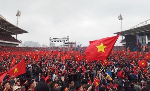 Báo Nhật Bản: Chiến tích bóng đá lịch sử đoàn kết cả dân tộc Việt - Ảnh 1.