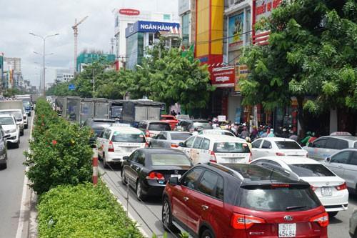 Mở thêm đường quanh sân bay Tân Sơn Nhất - Ảnh 1.