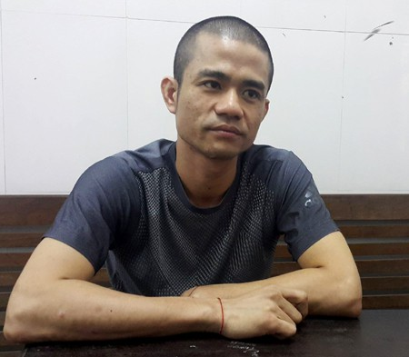 Đại ca giang hồ ôm 3 quả lựu đạn cố thủ bị khởi tố 3 tội danh - Ảnh 1.