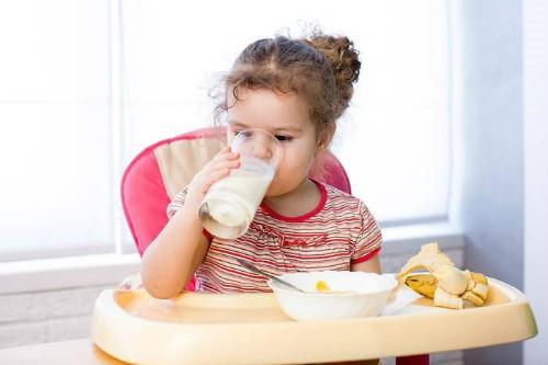 Trẻ bị chân tay miệng nên ăn những món gì tốt cho sức khỏe? - Ảnh 1.